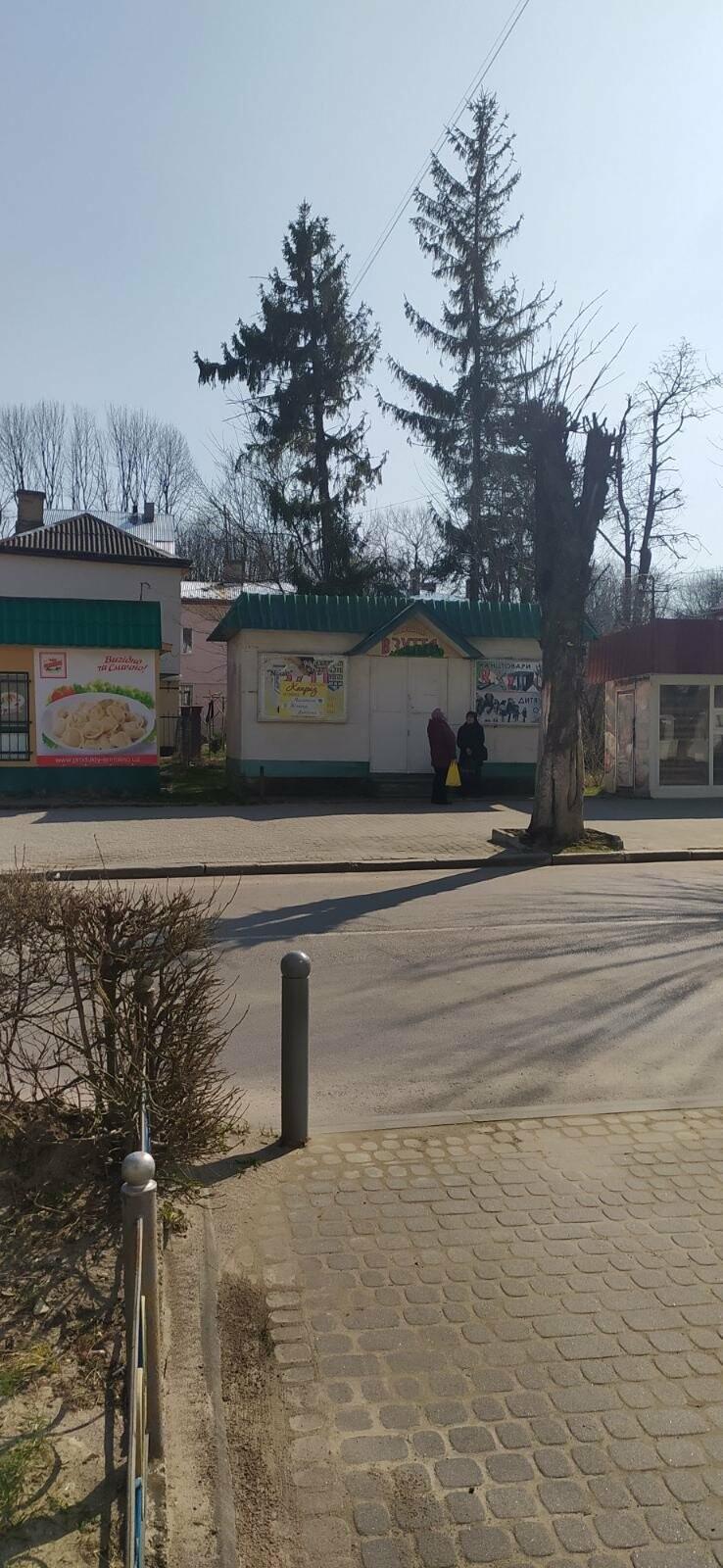 В Бориславі закривають торгові та розважальні заклади: (+Фото міста на карантині), фото-2