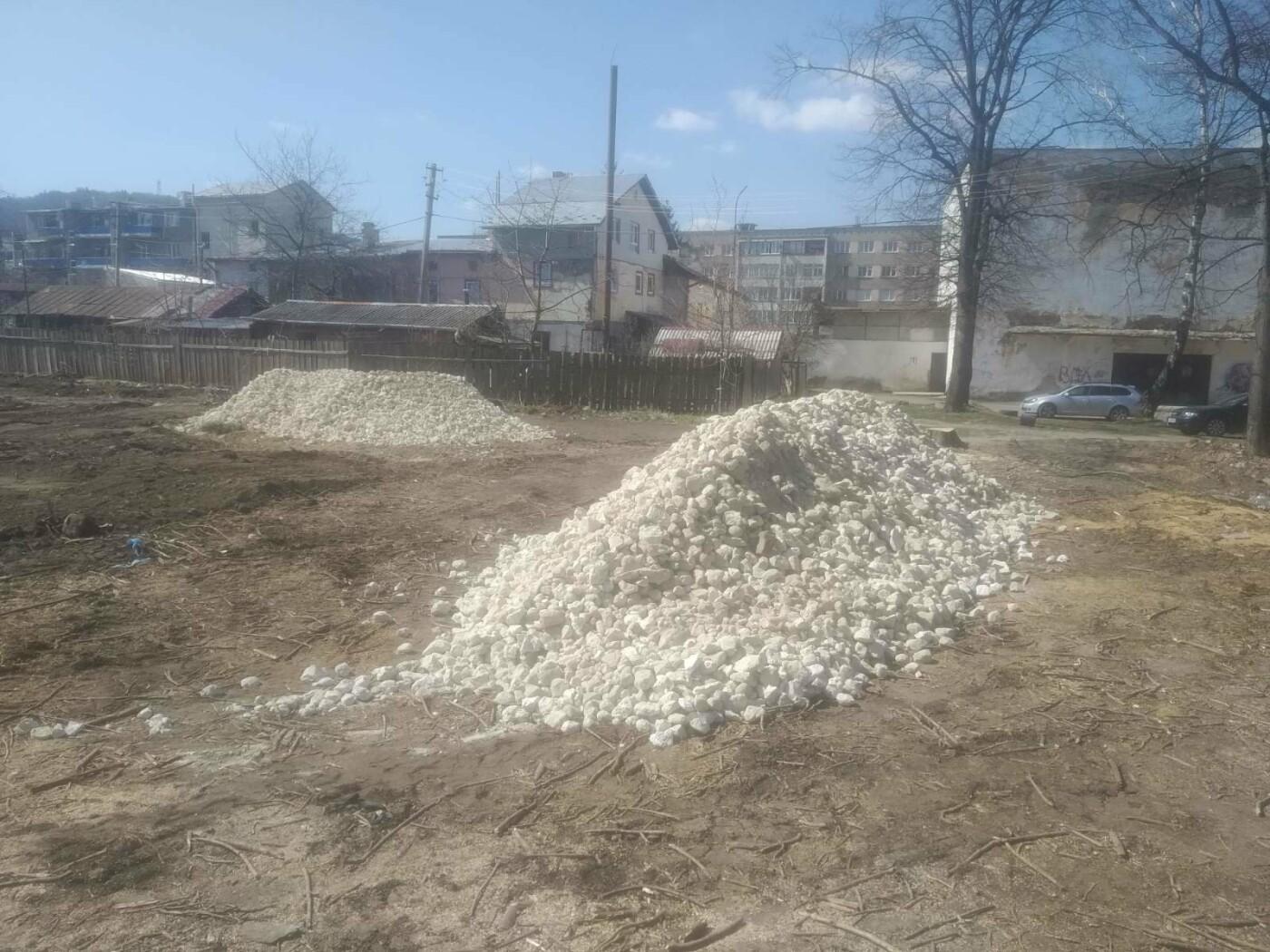 Майданчик для воркауту у Бориславі: тривають підготовчі роботи , фото-1, Фото - 03247.com.ua