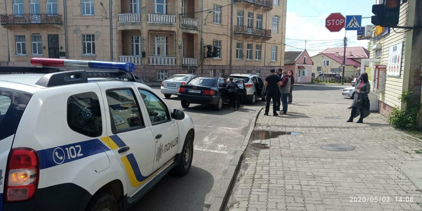 У Дрогобичі зіткнулись автівки , фото-3, фото - 03247.com.ua