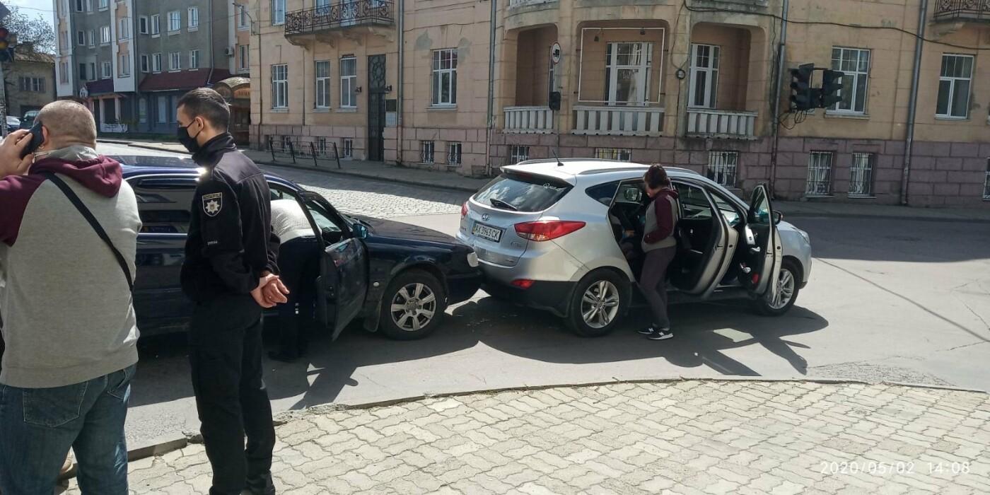 У Дрогобичі зіткнулись автівки , фото-4, фото - 03247.com.ua