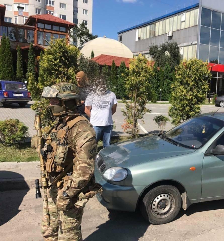 Львівська поліціянтка продавала персональні дані громадян, фото-1