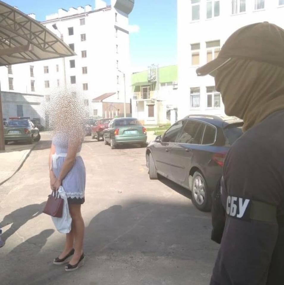 Львівська поліціянтка продавала персональні дані громадян, фото-2
