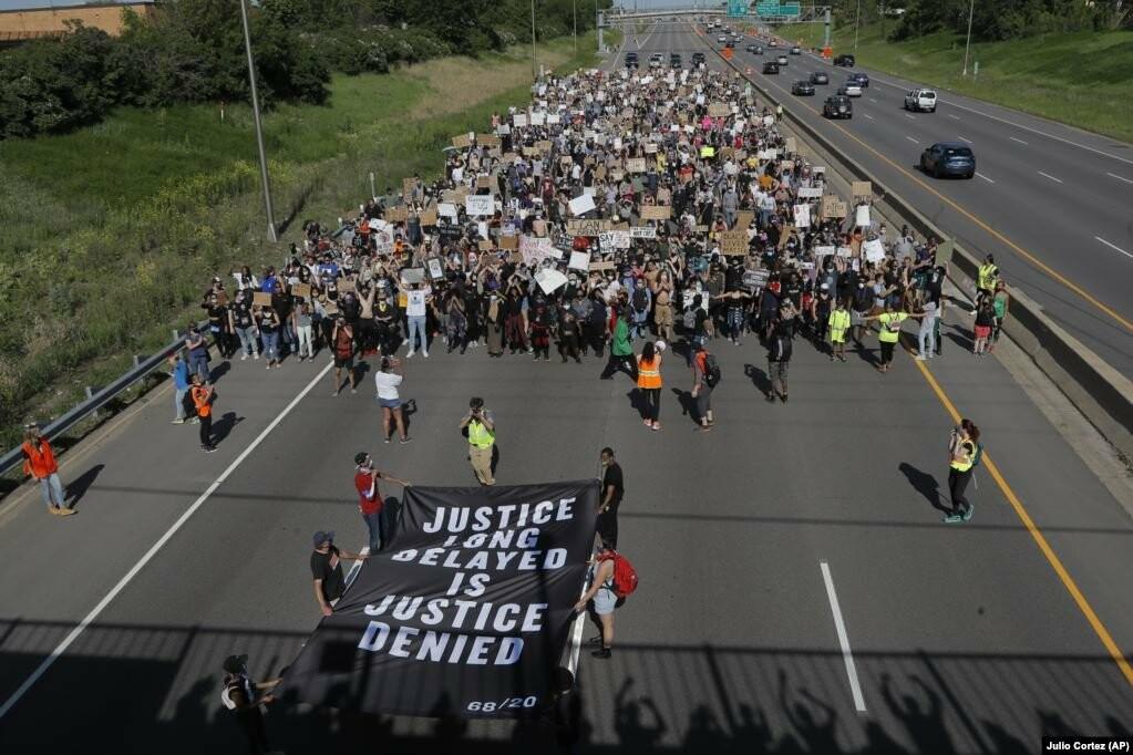 У США хвиля жорстоких протестів через смерть Джорджа Флойда (фотогалерея), фото-6