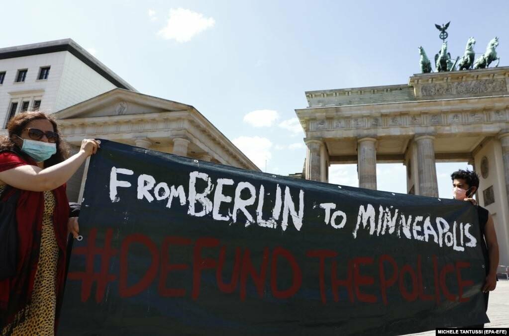 У США хвиля жорстоких протестів через смерть Джорджа Флойда (фотогалерея), фото-9