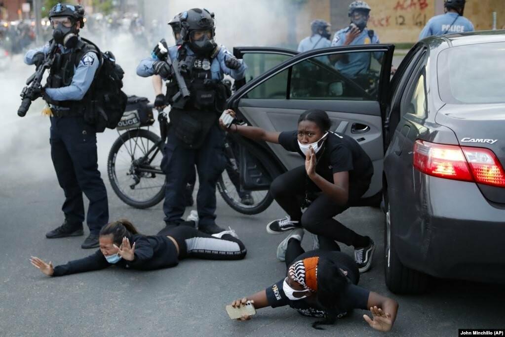 У США хвиля жорстоких протестів через смерть Джорджа Флойда (фотогалерея), фото-4
