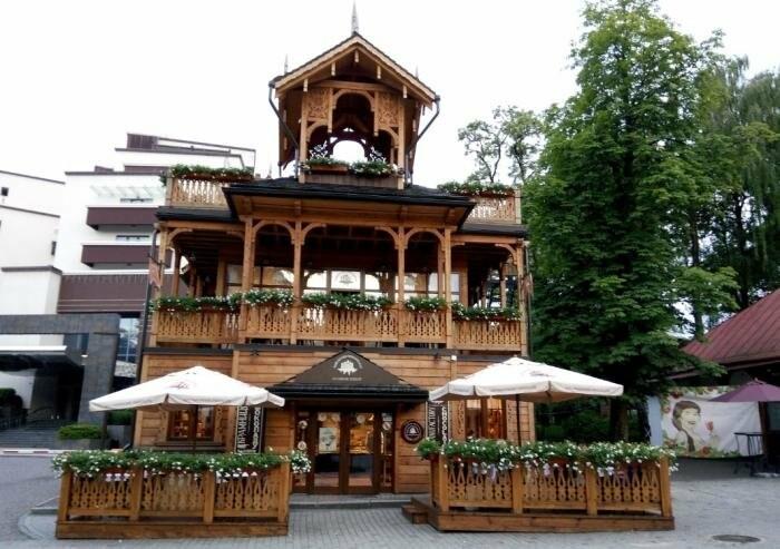 У Трускавці кафе та піцерії відчиняють літні тераси , фото-1