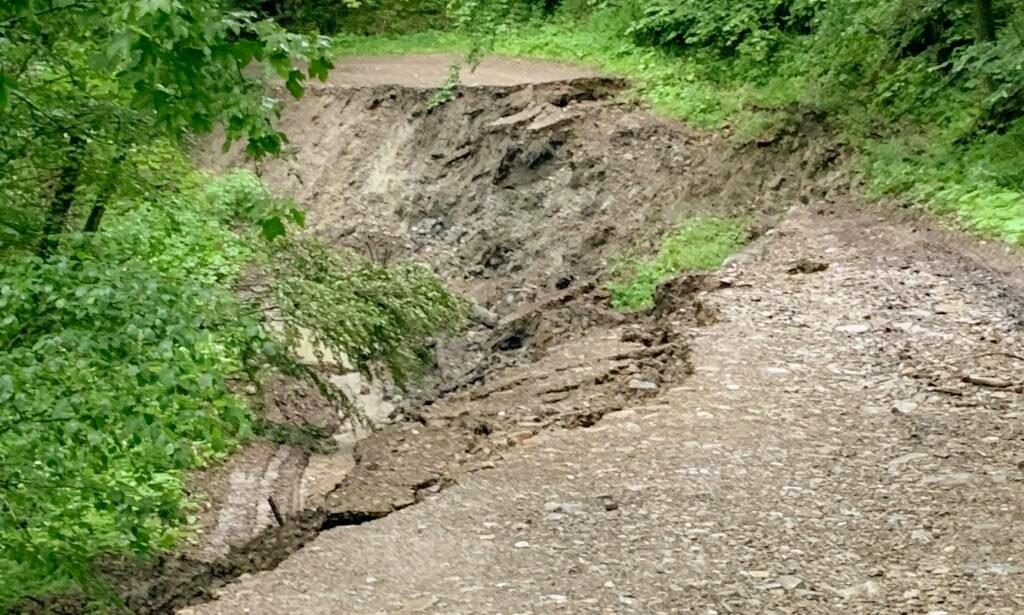Стихія зруйнувала дорогу до Орова, фото-2
