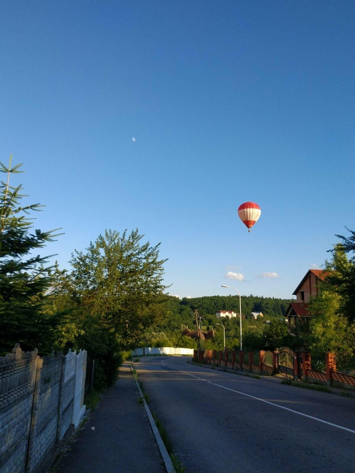 Над Трускавцем літали повітряні кулі (ФОТО), фото-1