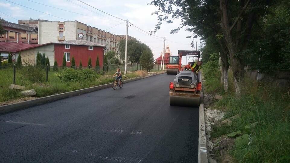 В Бориславі «відкапіталили» дорогу, яка не бачила ремонту десятки років, фото-3
