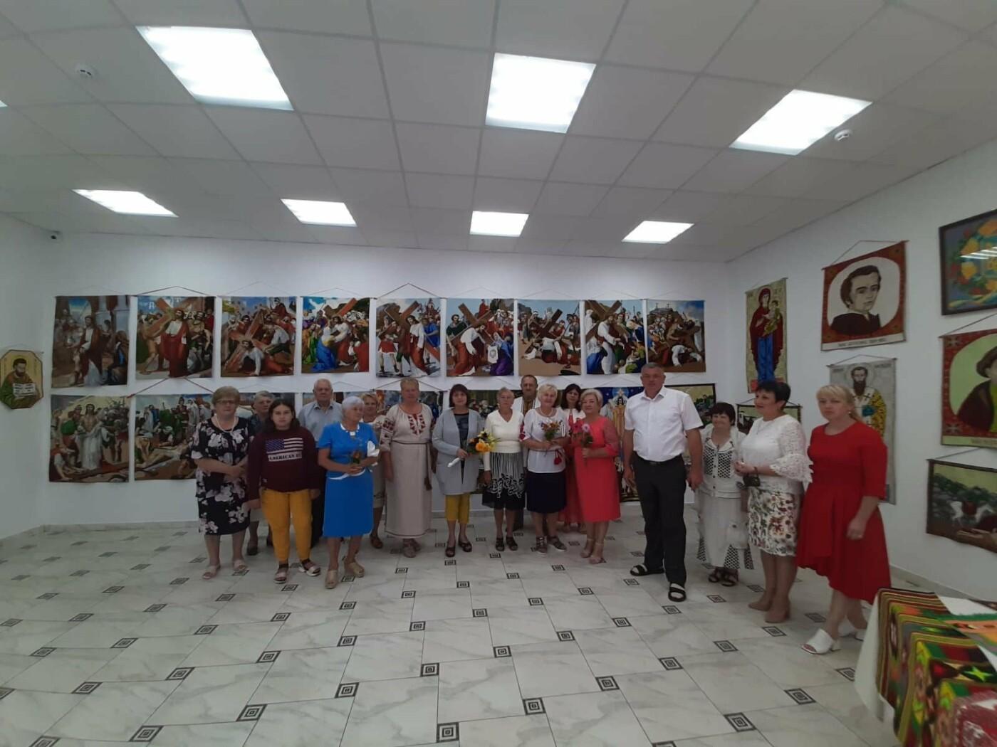 У Модричах відкрили виставку вишиваних робіт Степана Бориславського, фото-3