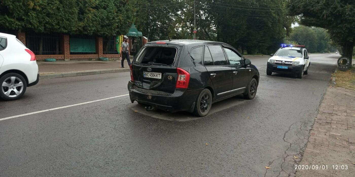 Ранкове ДТП у Дрогобичі на вулиці Трускавецькій, фото-6