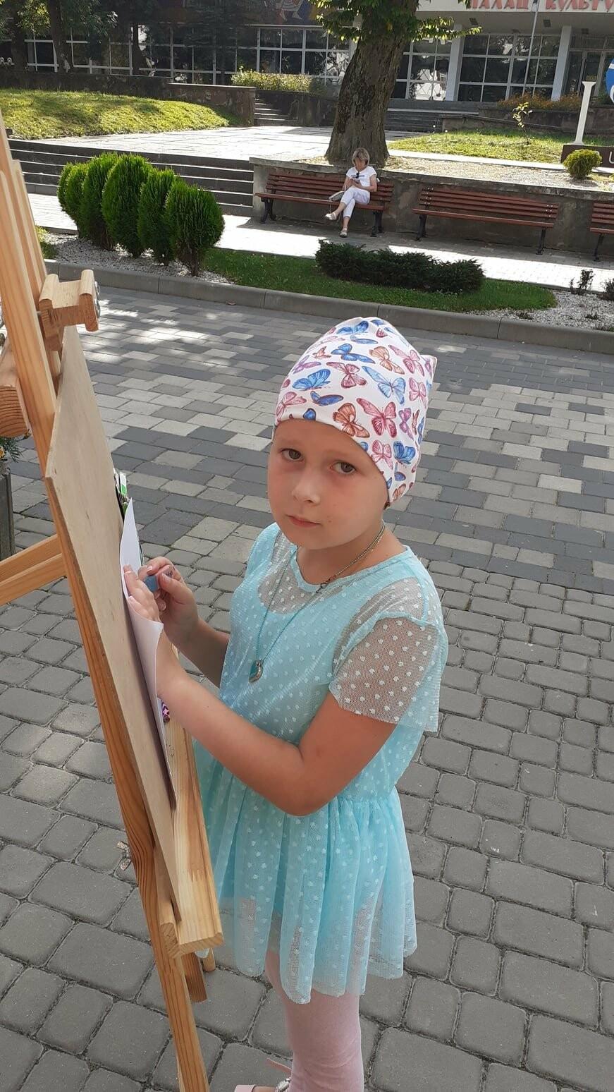 Юні трускавчани пишуть картини на подвір'ї музею Біласа (ФОТО), фото-6