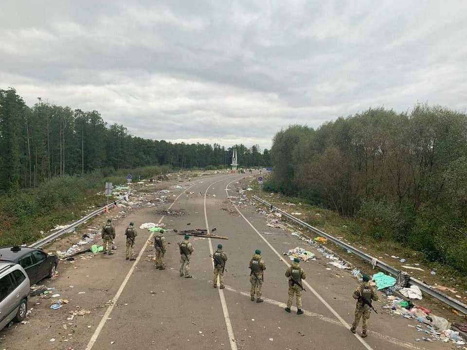 Паломники-хасиди покинули Україну залишивши гори сміття, фото-1