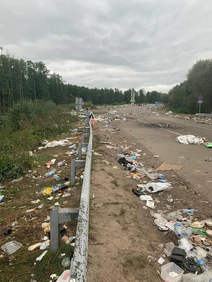 Паломники-хасиди покинули Україну залишивши гори сміття, фото-2