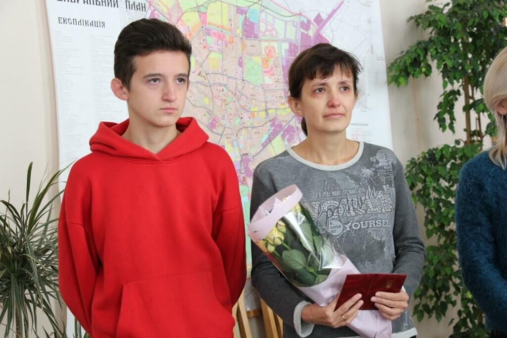 """Двох стебничанок нагородили державною відзнакою """"Мати-героїня"""", фото-1"""