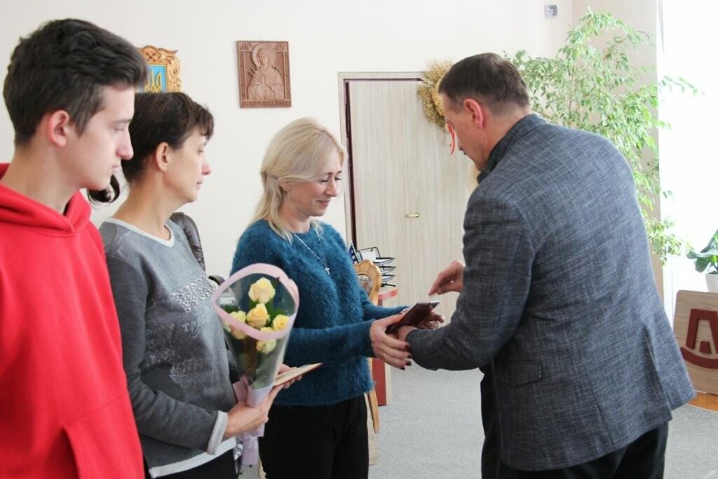 """Двох стебничанок нагородили державною відзнакою """"Мати-героїня"""", фото-2"""