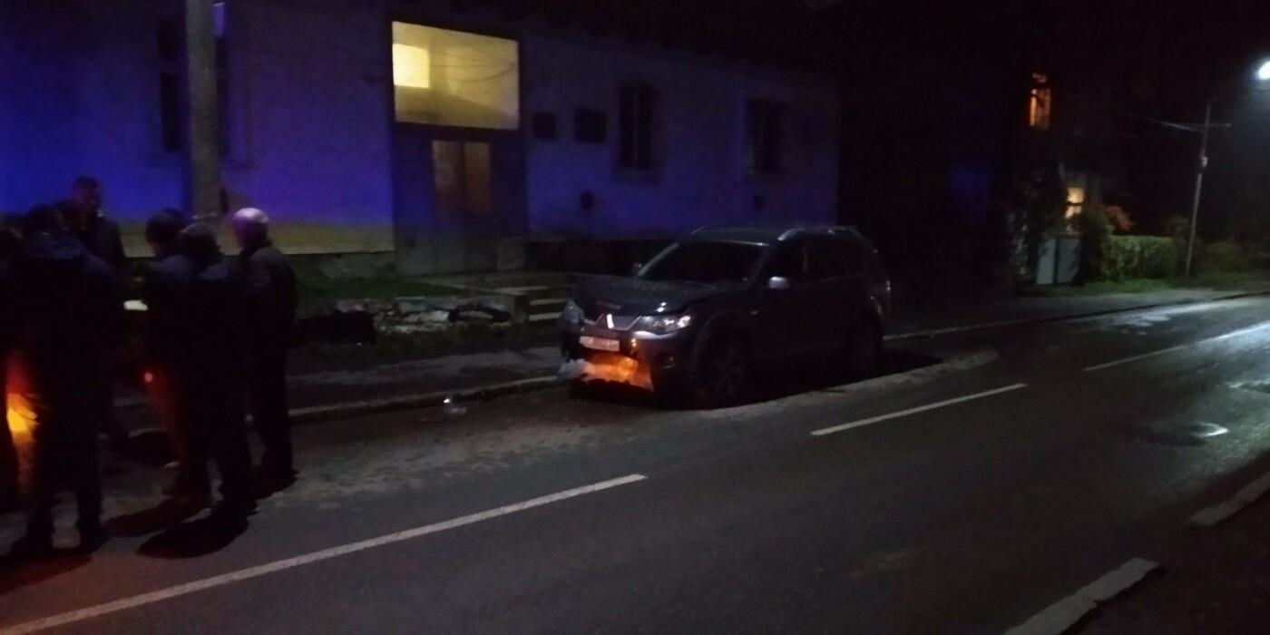 У Бориславі зіткнулись легковик та позашляховик: фото, фото-2