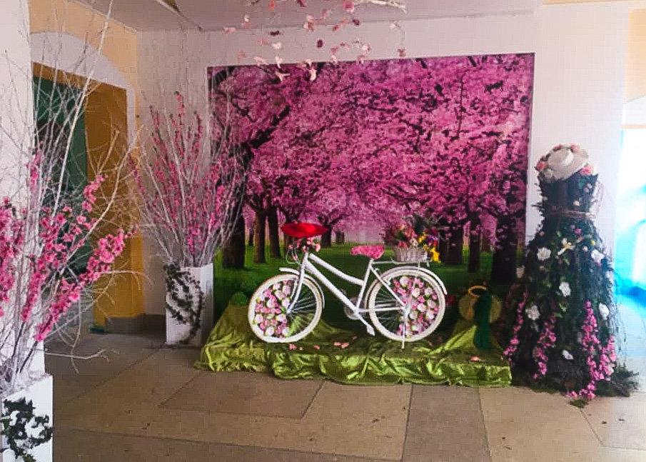 Квітуча алея у трускавецькій школі-гімназії