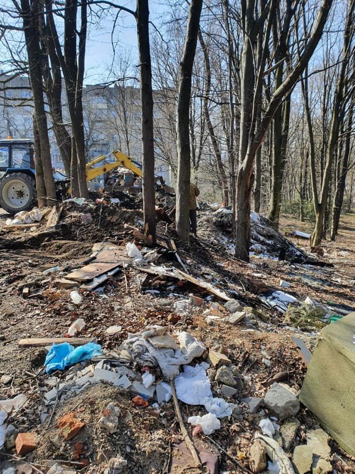 У Трускавці ліквідовують стихійне сміттєзвалище, фото-2, Фото - сторінка у Facebook Андрій Кульчинський