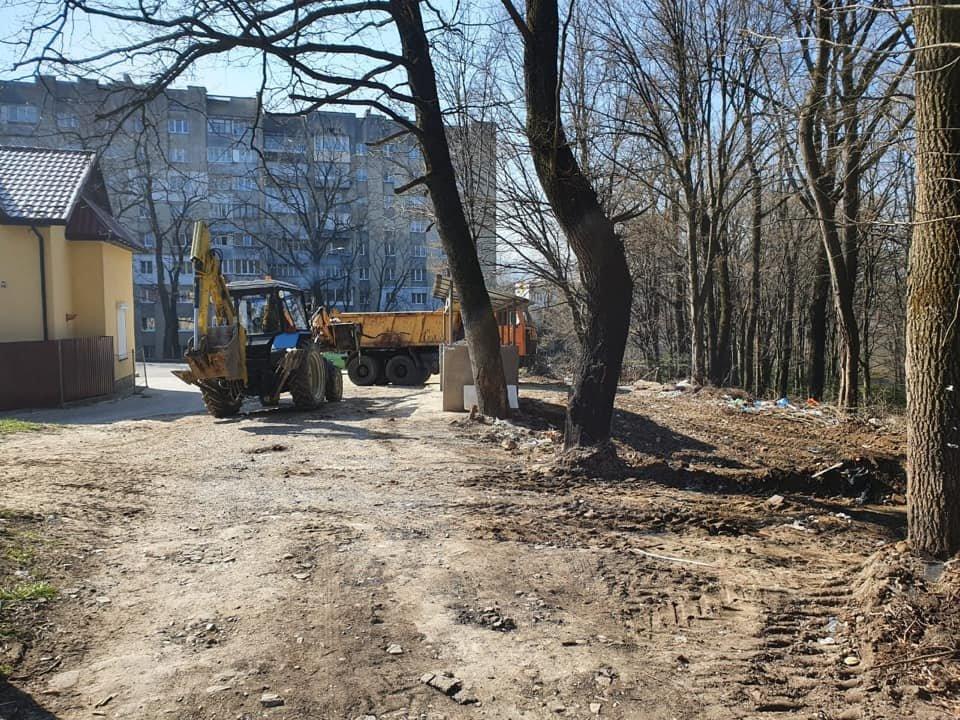 У Трускавці ліквідовують стихійне сміттєзвалище, фото-6, Фото - сторінка у Facebook Андрій Кульчинський