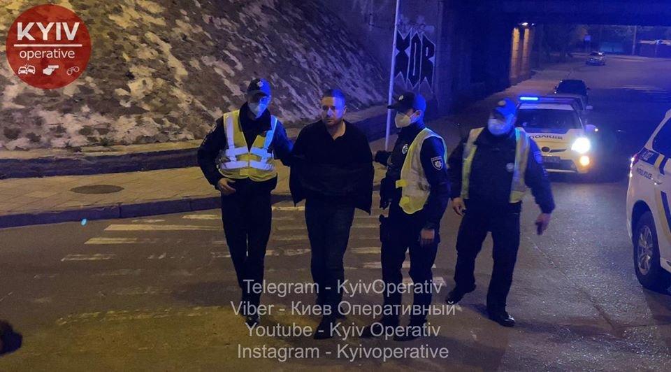 Як п'яний заступник Кличка  бився з поліцейськими. Відео з нагрудних камер , фото-1, фото - Киев Оперативный