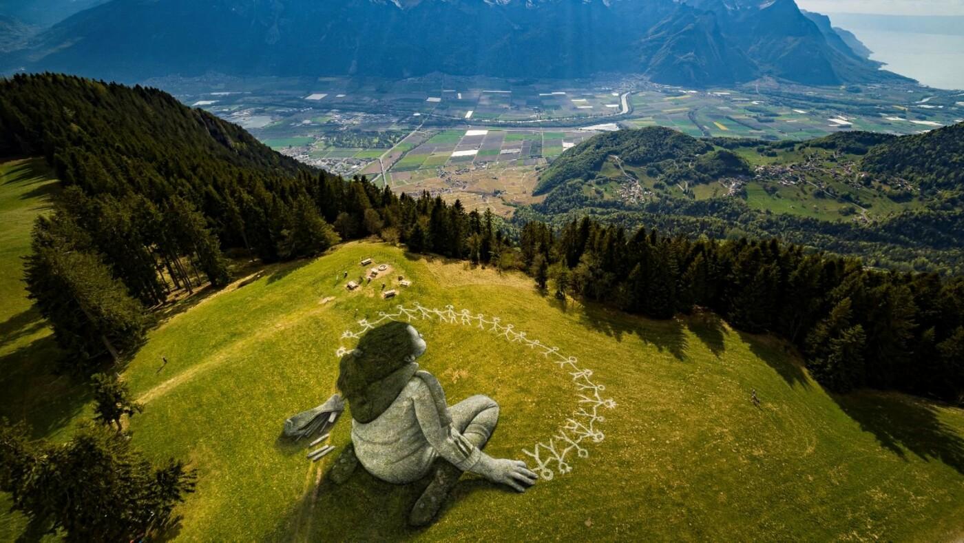 Художник малює біоматеріалом картини площею 3000 кв. м.  Фото вражають, фото-2, Гійом Легро