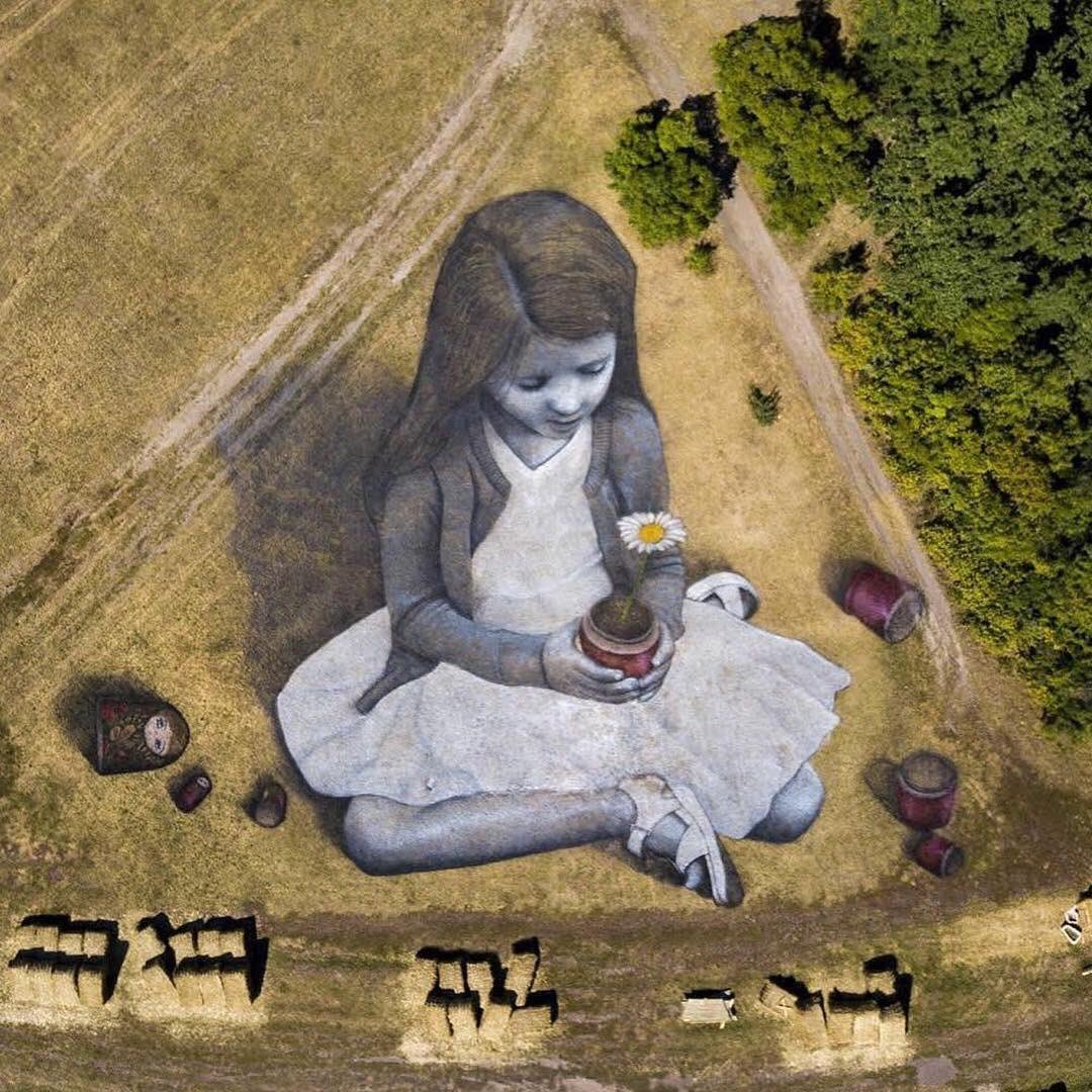 Художник малює біоматеріалом картини площею 3000 кв. м.  Фото вражають, фото-3, Гійом Легро