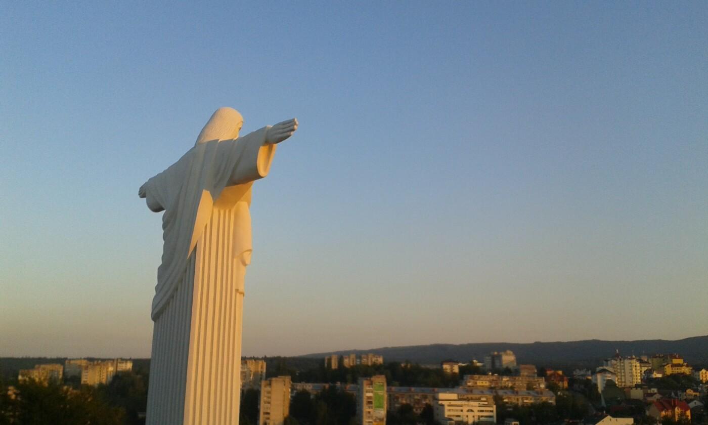 Ісус Христос над Трускавцем: Дивовижні фото, фото-1