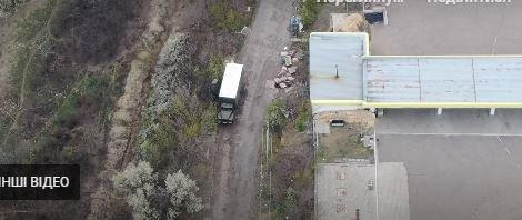 Українські військові ліквідували вантажівку бойовиків, - Відео, фото-1