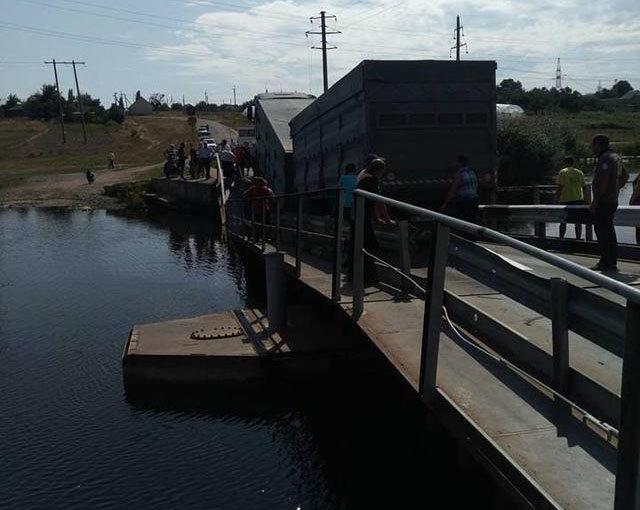 Під вантажівками обвалилися мости на Тернопільщині та Миколаївщині, фото-5