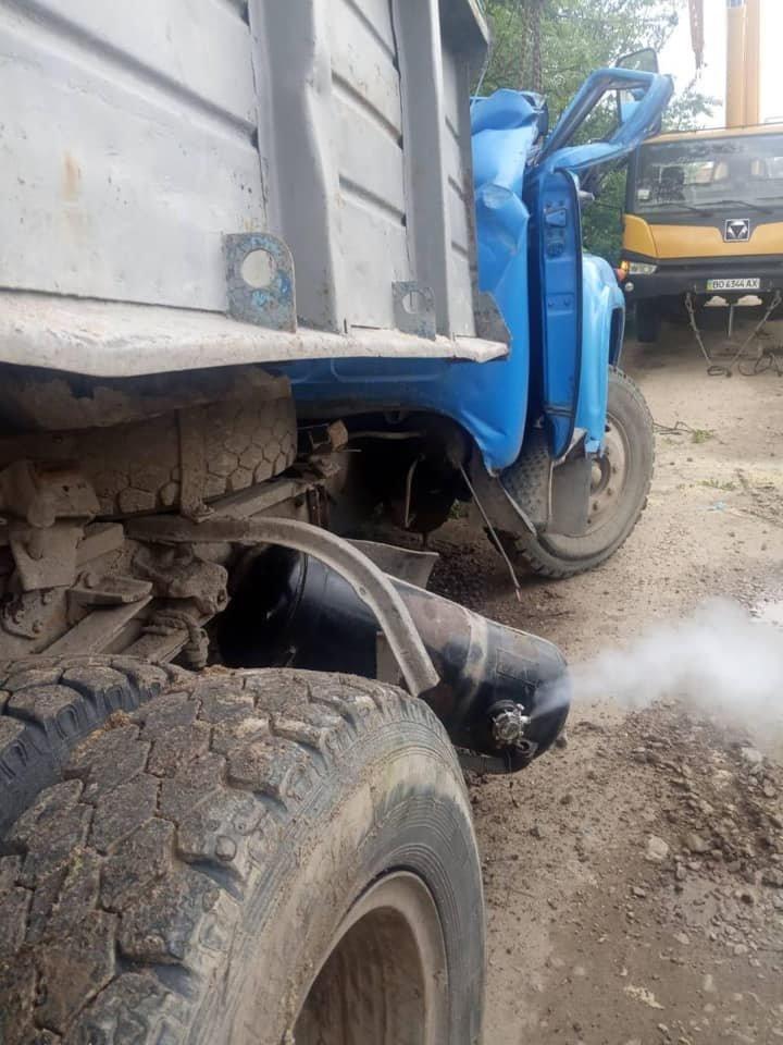 Під вантажівками обвалилися мости на Тернопільщині та Миколаївщині, фото-3