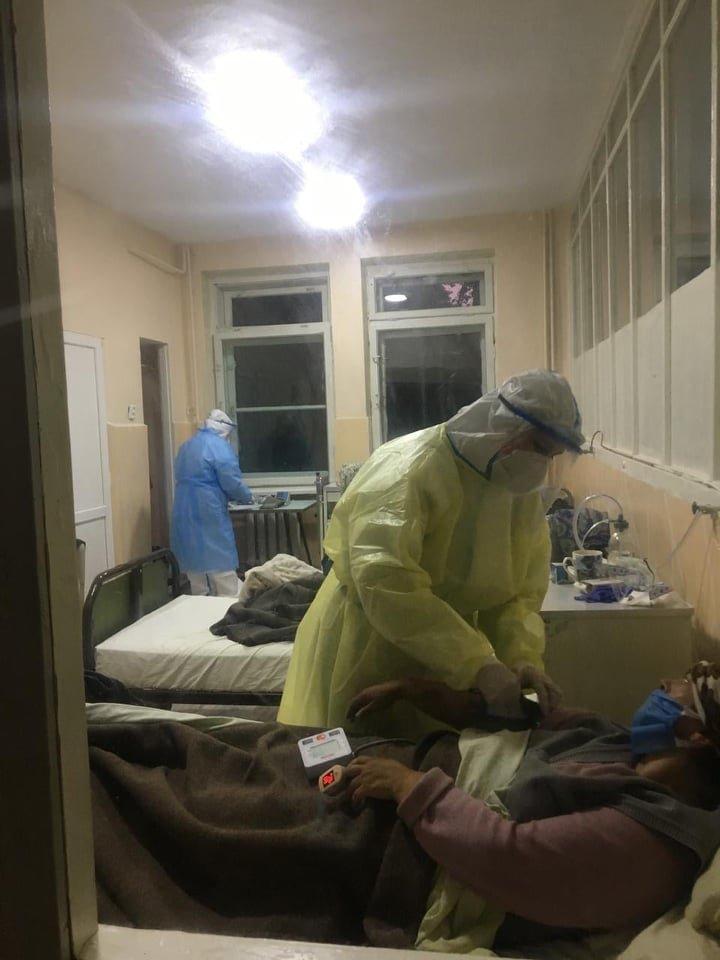 Фото з відділень Стебницької лікарні, де перебувають хворі на коронавірус, фото-6, фото - Дрогобицька міськрада