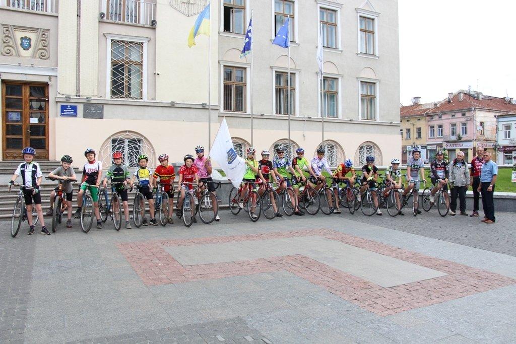 Міжнародний Олімпійський День:  у Дрогобичі пройшов велопробіг, фото-1