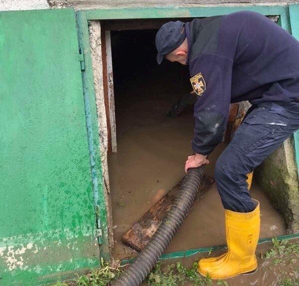 У Бориславі рятувальники відкачували воду , фото-1, фото - Головне управління ДСНС України у Львівській області