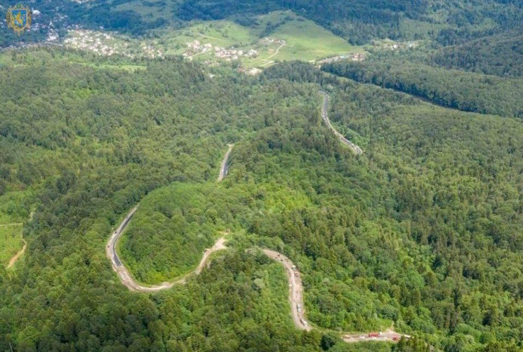 На Східницькому перевалі завершили асфальтування дороги у вирівнюючому шарі (Відео), фото-1