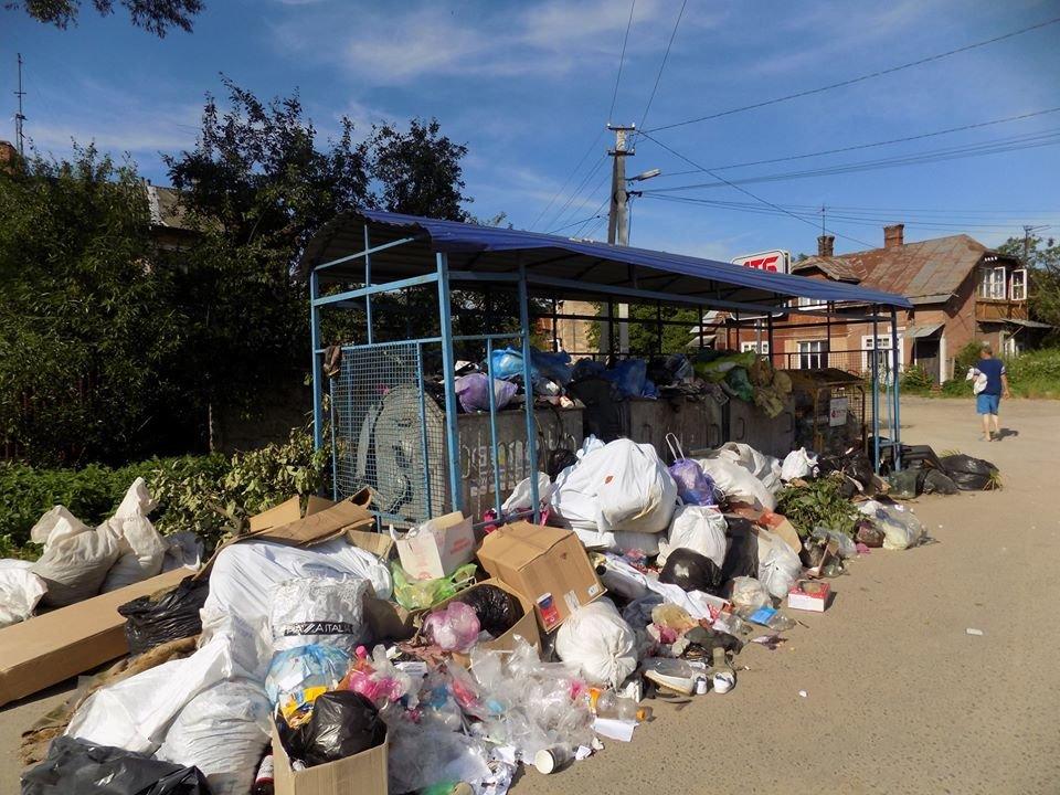 У Бориславі переповнені сміттєві контейнери (ФОТО), фото-7, фото - Бориславська міська рада