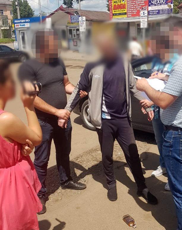 У Дрогобичі правоохоронці затримали зловмисника, причетного до вимагання, фото-3, фото - Поліція Львівської області