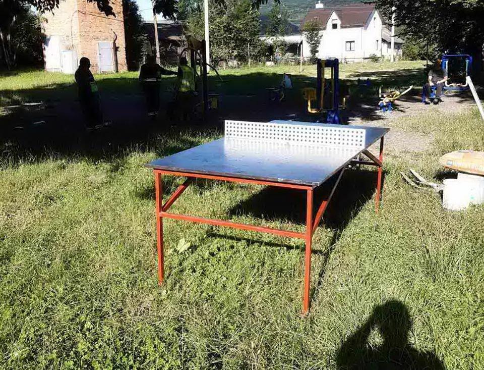 У Бориславі встановили ще один вуличний тенісний стіл, фото-1, фото - Бориславська міська рада