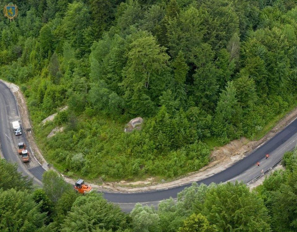 Дорогу Борислав - Східниця повністю завершать через кілька тижнів: фото, фото-2