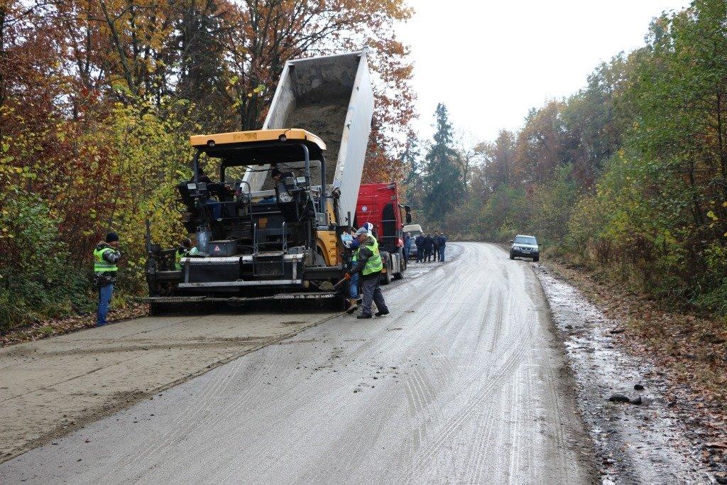 В Доброгостові починають нанесення асфальтного покриття на важливій дорозі, фото-3, Фото: Трускавецька міська рада